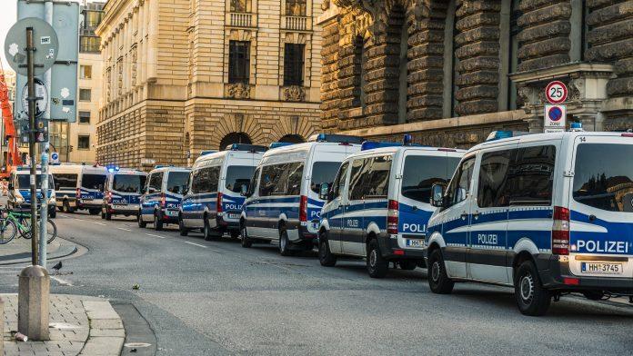 AfD-Fraktion-Hamburg-Elektroschockwaffen-Taser-Polizei